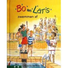 Bo en Lars zwemmen af